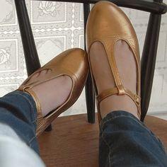 Mine guld sandaler fra toast... still going strong