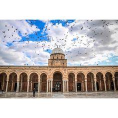 The #Medina of #Tunis 😙 _ The #Zitouna #Mosque _ For more #Photos visit my #Facebook page >>> Wael Bouyahya Photography _ #Street #StreetPhotography #LaMedina #Tunisie #Tunisia #Crafts #Vscocam #Vsco #Canon #Urban #Authentic #Folk #Igers #Bestoftheday #Picoftheday #Photooftheday #Likeforlike #Tagsforlikes @natgeo _