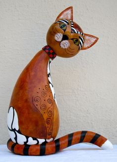 Fancy Cat by Cyndee Newick          A challenge to construct. Balances on tail. Cat is made from 3 gourds and some scraps.