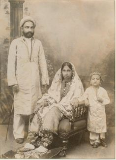 Parsee Family from Bombay (Mumbai) India - c1880