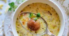 Krem z borowików z prażonymi migdałami i oliwą  Składniki : świeże borowiki tymianek 1 cebula 1 łyżka masła 100ml białego...