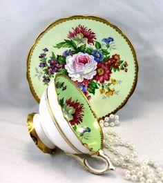 Gorgeous Royal Stafford DuoLovely Floral PatternNicely Vintage Crockery, Antique Tea Cups, Vintage China, Vintage Tea, Tea Pot Set, Cup And Saucer Set, Tea Sets, Tea Cup Saucer, Royal Stafford