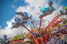 Disneyland rides suitable for smaller children and toddlers. Height limits, how many can ride together and which rides may be too scary