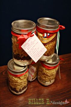 Homemade Hamburger Helper Jars...  Recipe for the jar:  • 2 cups pasta (you mix up pasta types with each variety, be it shells, bowties, macaronis, or lasagna)  • 2/3 C dry milk  • 1 tbsp cornstarch  • 1 tsp sugar  • 1 tsp salt  • spices (use the website for her breakdown on spices, or you can use your own)    Add at home:  • 1 pound ground beef  • 3 cups water  • 1/2 C shredded cheese