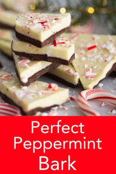 Perfect Peppermint Bark This delicious peppermint bark from Preppy Kitchen tastes better than the store-bought version and is so EASY to make! You'll love this quintessential holiday treat! Brownie Desserts, Oreo Dessert, Mini Desserts, Holiday Baking, Christmas Desserts, Christmas Bark, Christmas Snacks, Christmas Cooking, Holiday Treats