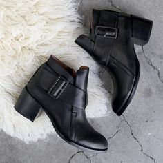 Getting warm & cozy with the new Jeffrey Campbell 'Branson' ankle boot. Love the ankle strap! http://www.shoeconnection.co.nz/products/JCWAIA5L1AA