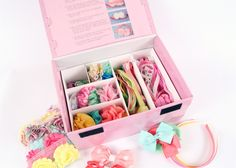Headband Stations are the newest craze for upcoming baby shower ideas! Pamper the mom-to-be, while letting each guest use their creativity to make the diva-to-be a HUGE assortment of amazing baby headbands.