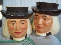 Pair Vintage Quaker Oats Men Advertising Premium Plastic Mugs