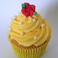 Disney Beauty and the Beast: Belle cupcakes <3