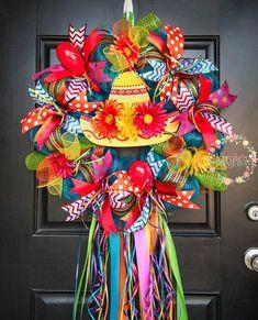 Fiesta Sombrero Wreath, Fiesta 2018 Wreath, Fiesta San Antonio Wreath, Vibrant and Colorful Fiesta Wreath, Cinco De Mayo Wreath Tissue Flowers, Crepe Paper Flowers, Fiesta Theme Party, Party Themes, Party Ideas, Mexican Christmas Traditions, Deco Wreaths, Deco Mesh, Streamers