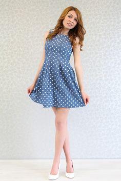 2175a66f02a Закачлива дънкова рокля за всички дами, които обичат да носят удобни и  практични дрехи в ежедневието си. Модел Леа е изработен от памучен дъ.