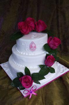 #Rosen #Hochzeit feiern mit einer traumhaften #Torte aus der #Konditorei Held am #Tegernsee