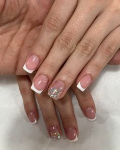 "Cristina Sierra Nail Spa 💗 on Instagram: ""sedes disponibles  LAURELES 📲3005269612 ☎️ 2501027 MEGACENTRO 📲 3227639001 ☎️ 4799956 #nails #nailart #acrilicnails #nailsofinstagram…"" Edgy Nails, Polygel Nails, Classy Nails, Stylish Nails, Swag Nails, Manicure, Blush Nails, Semi Permanente, Short Gel Nails"