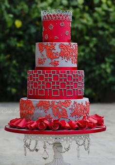 Scarlet beauty by Prachi DhabalDeb - http://cakesdecor.com/cakes/227640-scarlet-beauty