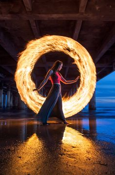 Light painting with fire - Photography, Landscape photography, Photography tips Light Painting Photography, Fire Photography, Exposure Photography, Photography Projects, Creative Photography, Amazing Photography, Portrait Photography, Steel Wool Photography, Shape Photography