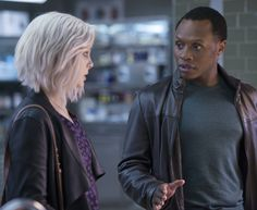"iZombie -- ""He Blinded Me With Science"" -- Image Number: -- Pictured (L-R): Rose McIver as Liv and Malcolm Goodwin as Clive -- Photo: Diyah Pera/The CW -- © 2016 The CW Network, LLC. All rights reserved. Best Series, Tv Series, I Zombie, Rose Mciver, Lady Lovely Locks, Science Images, Shows On Netflix, Everyday Hairstyles, The Cw"