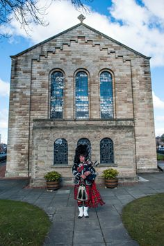 Our Pipe Major set to pipe in the Bride! www.elitebands.co.uk