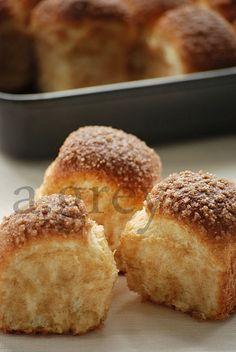 spiżarnia: Cynamonowe bułeczki Bread Dough Recipe, Cap Cake, Sweet Bread, Food And Drink, Cooking Recipes, Yummy Food, Sweets, Breakfast, Gardening