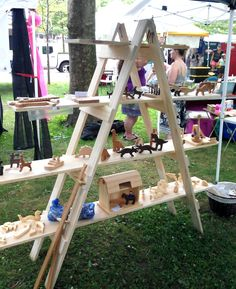 DIY Folding Ladder Shelf for your Craft Show Display Great portable idea for a market stall! Craft Show Displays, Craft Show Ideas, Display Ideas, Booth Displays, Retail Displays, Market Displays, Merchandising Displays, Booth Ideas, Window Displays