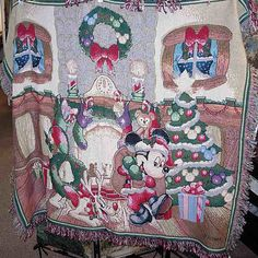 Disney's Mickey Mouse Christmas Throw I want it :)) !!!