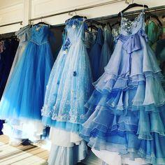 ブルーのドレス素敵 こちらはタカミブライダルです  #カラードレス #タカミブライダル #takamibridal #アニヴェルセルみなとみらい by 1989marie8