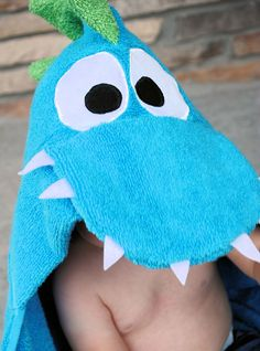 Dragon Hooded Towel - I know a couple little boys who need this! These are adorable and so easy to throw together