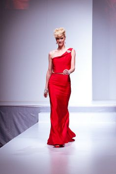 Lauren Lee Smith wearing a red evening dress by Ines Di Santo. Image by Jason Hargrove (CC-BY).