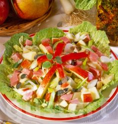 Cobb Salad, Salsa, Ethnic Recipes, Food, Bulgur, Restaurant Salsa, Essen, Salsa Music, Yemek