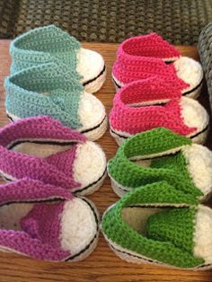 Baby crochet converse shoes- FREE pattern.