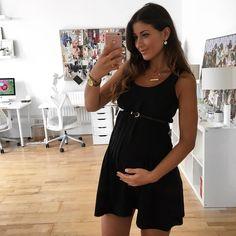 Mimi Ikonn Preggo Style Mimi Ikonn Pregnant London Black Dress