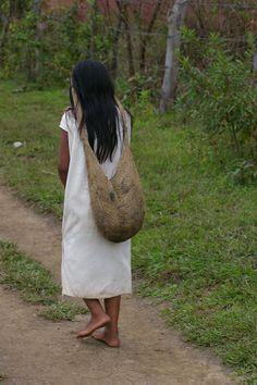 Etnias Indigenas de la Sierra Nevada de Santa Marta en Valledupar, Colombia By Provincia Hostal Valledupar Sierra Nevada, Santa Marta, Women Empowerment, Koi, Beautiful People, Coffee, Children, Native Americans, Earth