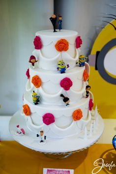 Generous Wedding Cakes With Cupcakes Huge Wedding Cake Pops Regular Disney Wedding Cake Toppers Peacock Wedding Cake Youthful Wedding Cakes Orlando OrangeStar Wars Wedding Cake Toppers Despicable Me 2 Wedding Cake!   For All Your Cake Decorating ..