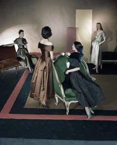 Horst P. Horst for Vogue 1947 1940s Vintage Dresses, Vintage Outfits, Vintage Vogue, Vintage Glamour, Palm Beach, 1940s Fashion, Vintage Fashion, Horst P Horst, Famous Portraits