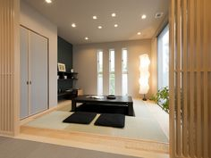 和室 スリット窓 イメージ minimalist home decorating japanese style Modern Japanese Interior, Modern Japanese Architecture, Japanese Home Decor, Japanese House, Japanese Style, Tatami Room, Japanese Bedroom, Relaxation Room, Minimalist Living