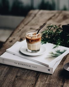 """Any given time is perfect for """"""""a good coffe"""""""" and the favorite style is undoubtedly the warm espresso. Coffee Cafe, Iced Coffee, Coffee Drinks, Coffee Mugs, Iced Cappuccino, Coffee Creamer, Coffee Tables, Coffee And Books, I Love Coffee"""