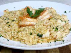 Il risotto gamberi e zucchine è un piatto classico e facilissimo da portare in tavola. Scopri nella video ricetta tutti i consigli per una versione gourmet.