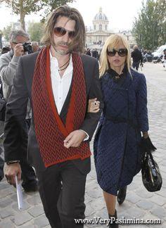 #RodgerBerman Wears A Crimson Zigzag #Scarf To The Louis Vuitton Show