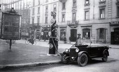 Milano Piazza Piemonte nel 1924 e uno dei primi distributori di benzina #TuscanyAgriturismoGiratola