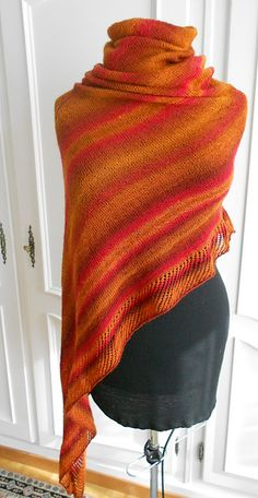 Ravelry: Project Gallery for Viajante pattern by Martina Behm