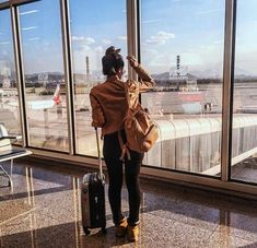 aeroporto uploaded by Sih on We Heart It 1990 Style, Photography Poses, Travel Photography, Photo Avion, Photo Voyage, Airport Photos, Foto Pose, Tumblr Girls, Adventure Is Out There
