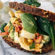 Southwestern Avocado Egg Salad Sandwich perfect for lunch! Egg Salad Sandwiches, Sandwich Recipes, Lunch Recipes, Salad Recipes, Avocado Egg Salad, Tuna Salad, Chicken Salad, Recipe Using Hard Boiled Eggs, Hard Boiled Egg Recipes