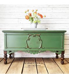 20 Furniture Makeovers That Will Blow Your Mind New Simple DIY Furniture Makeover and Transfor Green Painted Furniture, Painted Bedroom Furniture, Refurbished Furniture, Colorful Furniture, Repurposed Furniture, Shabby Chic Furniture, Vintage Furniture, Cool Furniture, Furniture Stores