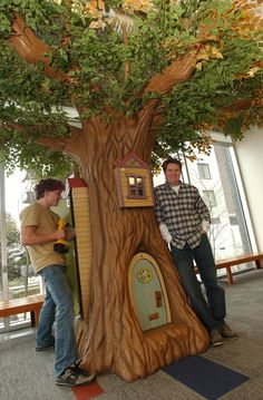North Vancouver Public Library: Reading Tree – Straight Line Designs Inc. Classroom Tree, Reading Tree, Reading Nooks, Straight Line Designs, Magic Treehouse, Backyard Treehouse, Treehouse Ideas, Library Design, Library Ideas