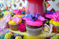 Tasty sugar petals on these flower cupcakes