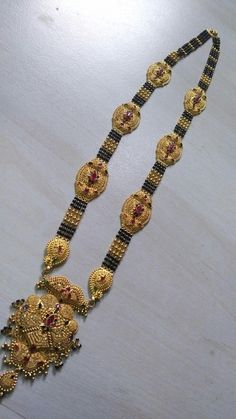 Dubai Gold Jewelry, Royal Jewelry, Gold Jhumka Earrings, Gold Choker Necklace, Pendant Jewelry, Beaded Jewelry, Gold Mangalsutra Designs, Gold Ring Designs, Indian Wedding Jewelry
