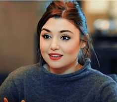 Hayat And Murat, Profile Picture For Girls, Girls Dpz, Girl Pictures, Persian Quotes, Hande Ercel, In This Moment, Beauty, Girl Photography