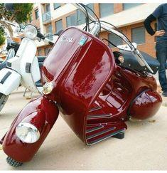 Scooters Vespa, Vespa Motorcycle, Piaggio Vespa, Lambretta Scooter, Scooter Motorcycle, Motor Scooters, Vespa Roller, Motos Retro, How To Clean Headlights