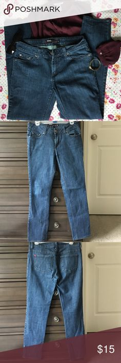 BDG. Ankle Skinny Jeans These jeans have a moderately skinny ankle and are 98% cotton 2% polyester. They fit more like a size 28 than a 29. BDG Jeans Skinny