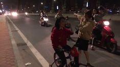MỸ TÂM lái siêu xe đạp đi bão mừng U23 Việt Nam - Việt Nam nói là làm
