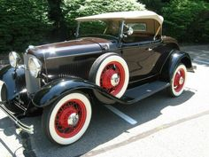 1932 Ford V8 Roadster Maintenance of old vehicles: the material for new cogs/casters could be cast polyamide which I (Cast polyamide) can produce